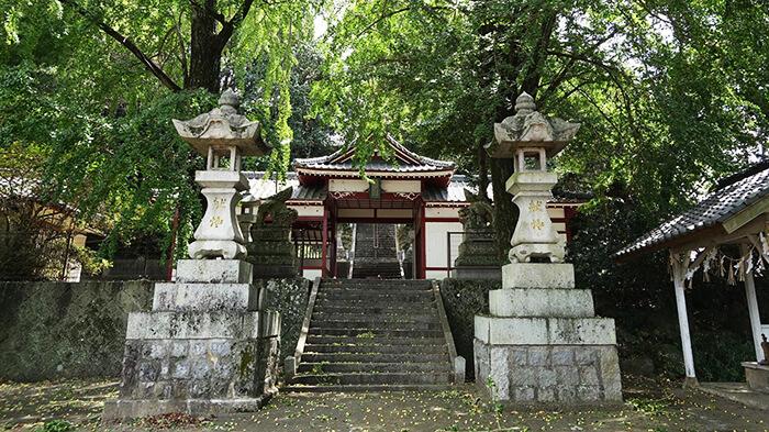 八幡鶴市神社の写真