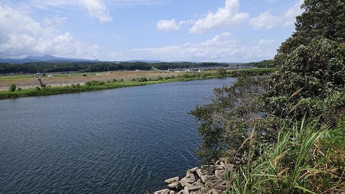 人柱伝説のある山国川の写真